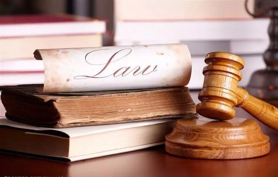 临时禁令的执行需严格遵守裁定,并根据情况及时调整