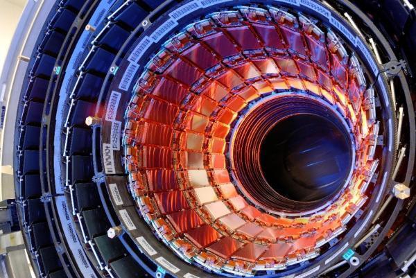 人类有史以来建造的最复杂机器,7000名科学家和工程师,建造了15年耗资52亿美元!